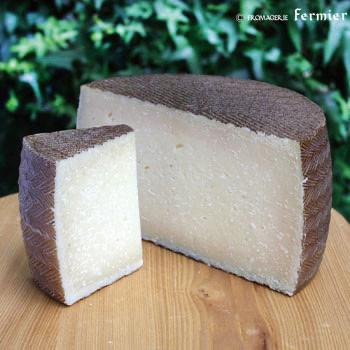 4/20(火) 今週のチーズ - スペインのケソ・マンチェゴほか全6種類