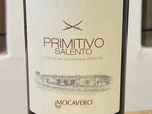 イタリアの「かかと」プーリア州の赤ワイン - プリミティーボ