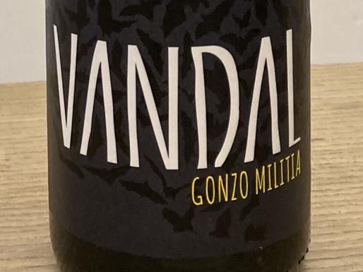 黄色のGONZO - 赤&白7品種をブレンドしたヴァンダルらしいワイン