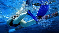 nage-avec-des-palmes.jpg