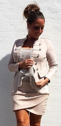 Suede jakke med knapper i beige