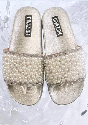 Pearl sandal i guld