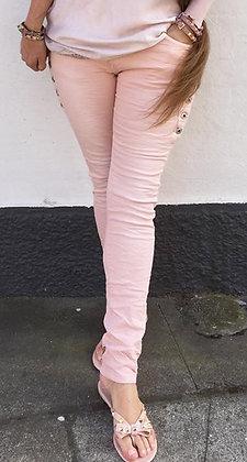Rosa buks med stræ og knapper - rosa