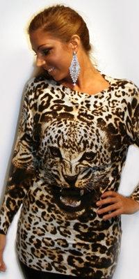 Flagermusbluse med leopard og sten
