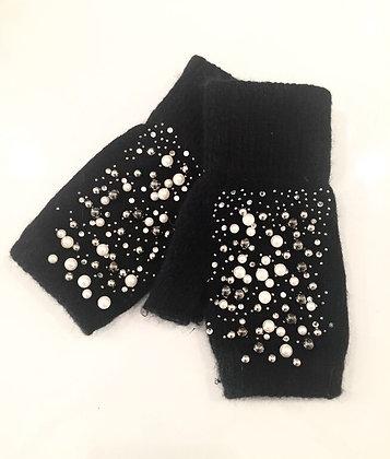Sorte handsker med perler og sten