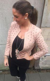 Rosa jakke med nitter