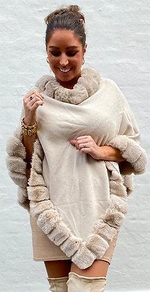 Poncho med i faux fur -  beige