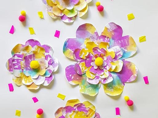 Fiori primaverili con carta decorata