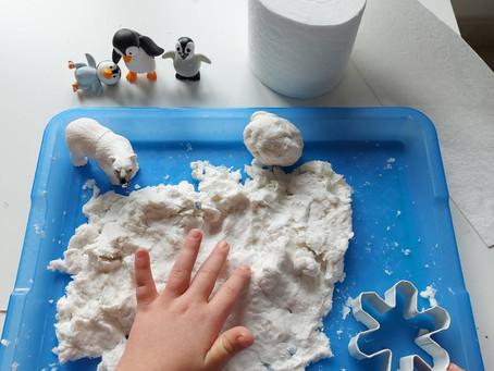 Neve finta con carta igienica