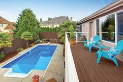 mirage-vinyl-fencing-solid-privacy-fence-backyard
