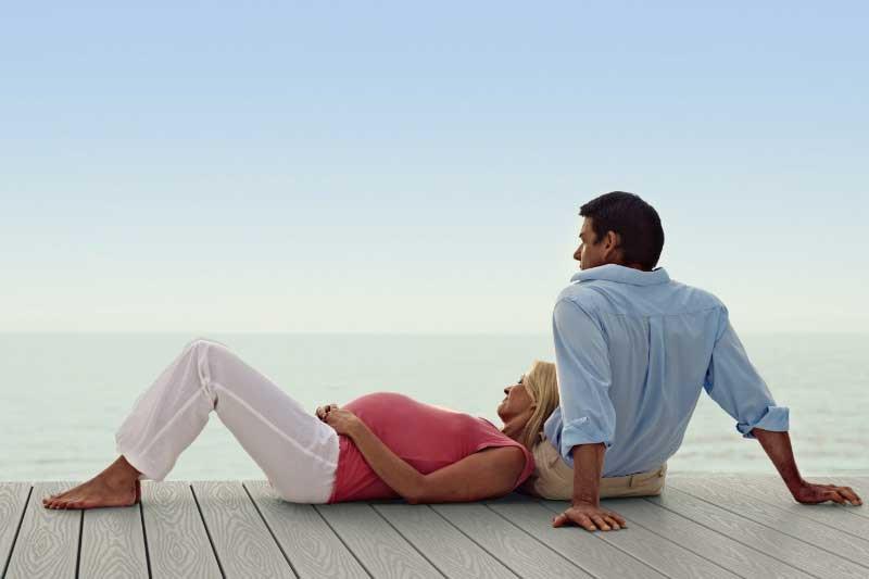 Vinyl-Decking-Endeck-Woodland-Series-Ashwood-Pregnant-Couple-Optimized