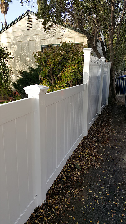 vinyl privacy fence in rancho palos verdes