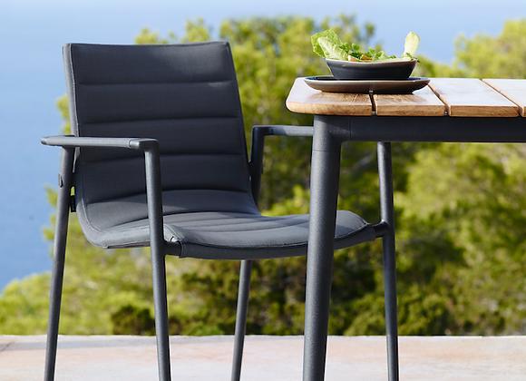 Core stol med armlæn