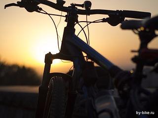 na-velosipede-nochyu.231.b.jpg