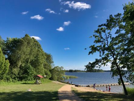 Der Strand am Useriner See ist ca. 200m entfernt