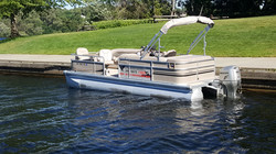 22ft Pontoon Sunsation / Rate: $500