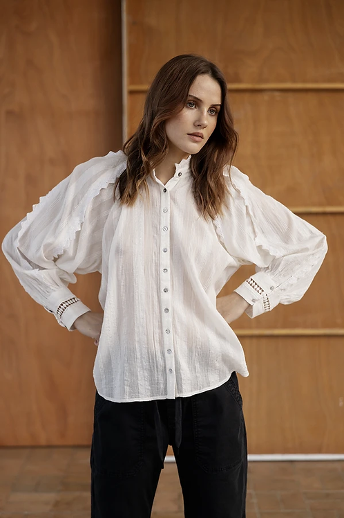 Project AJ117 saga blouse
