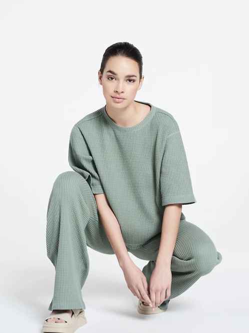 Lune Active  Relaxed fit structured ella flared pants