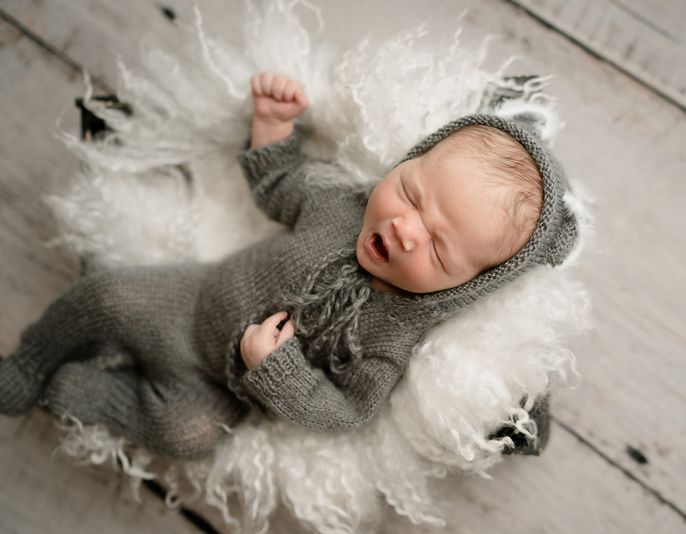 Sioux Falls Newborn Photogapher