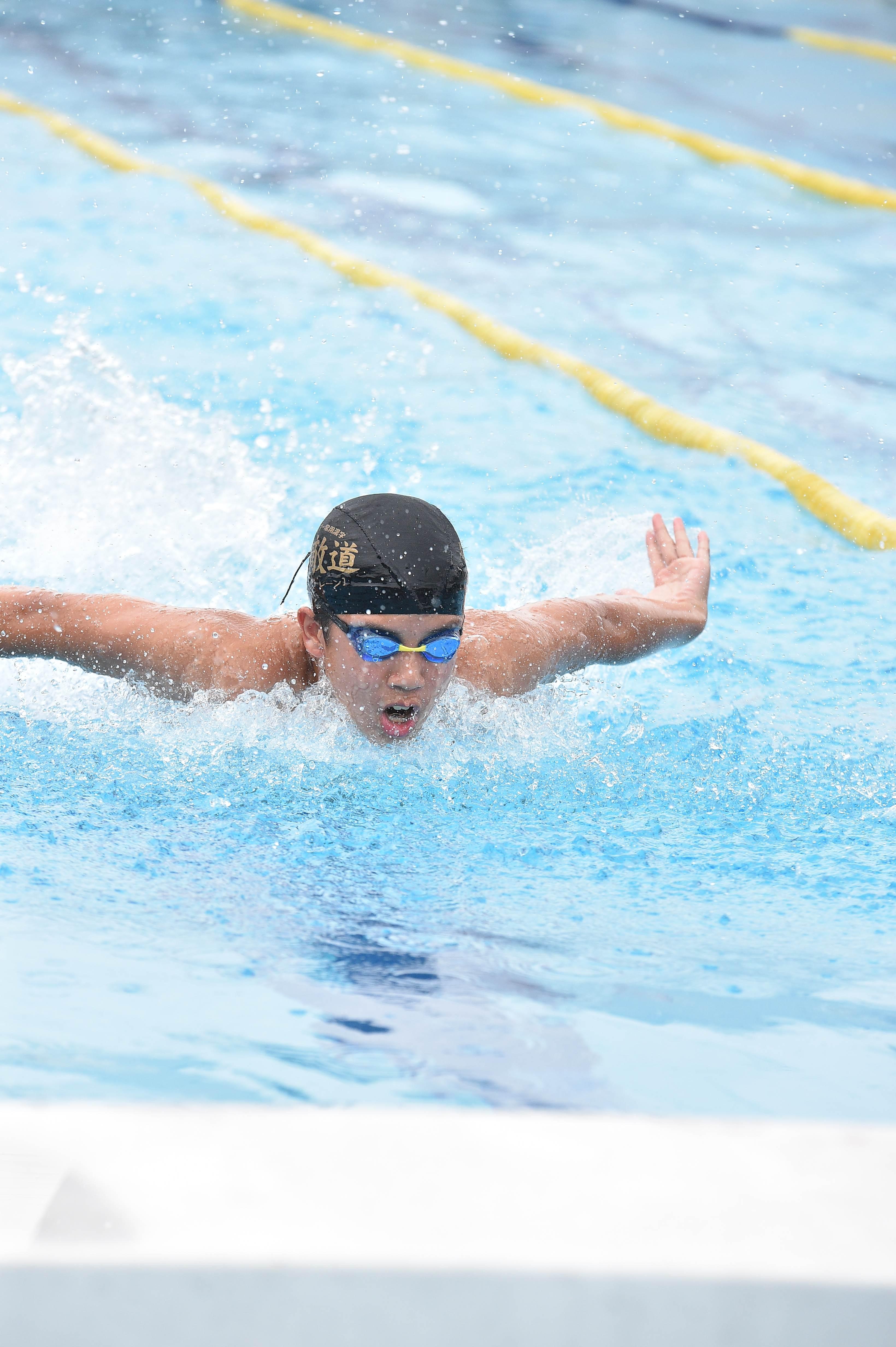 水泳 (130)