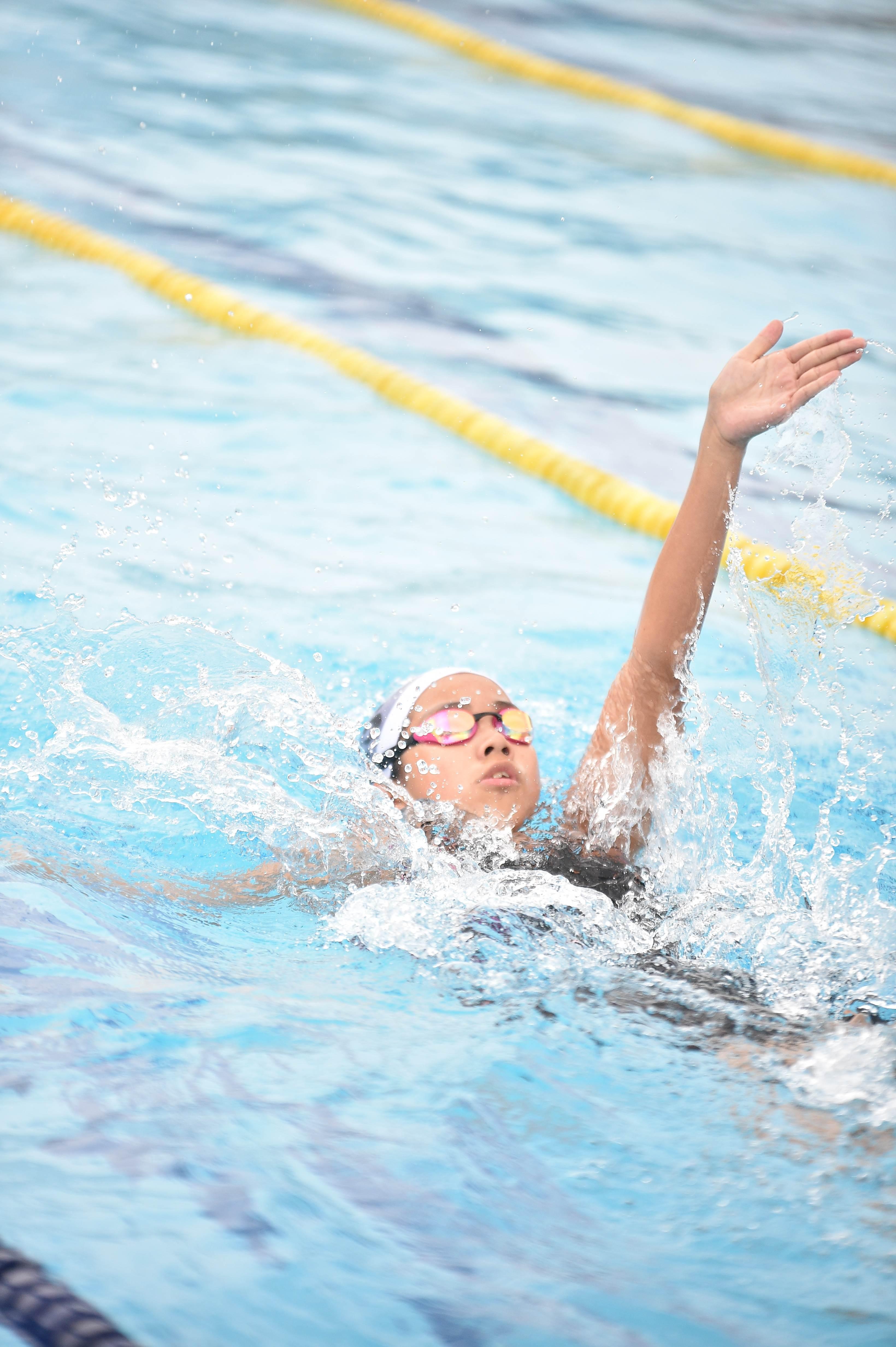 水泳 (126)