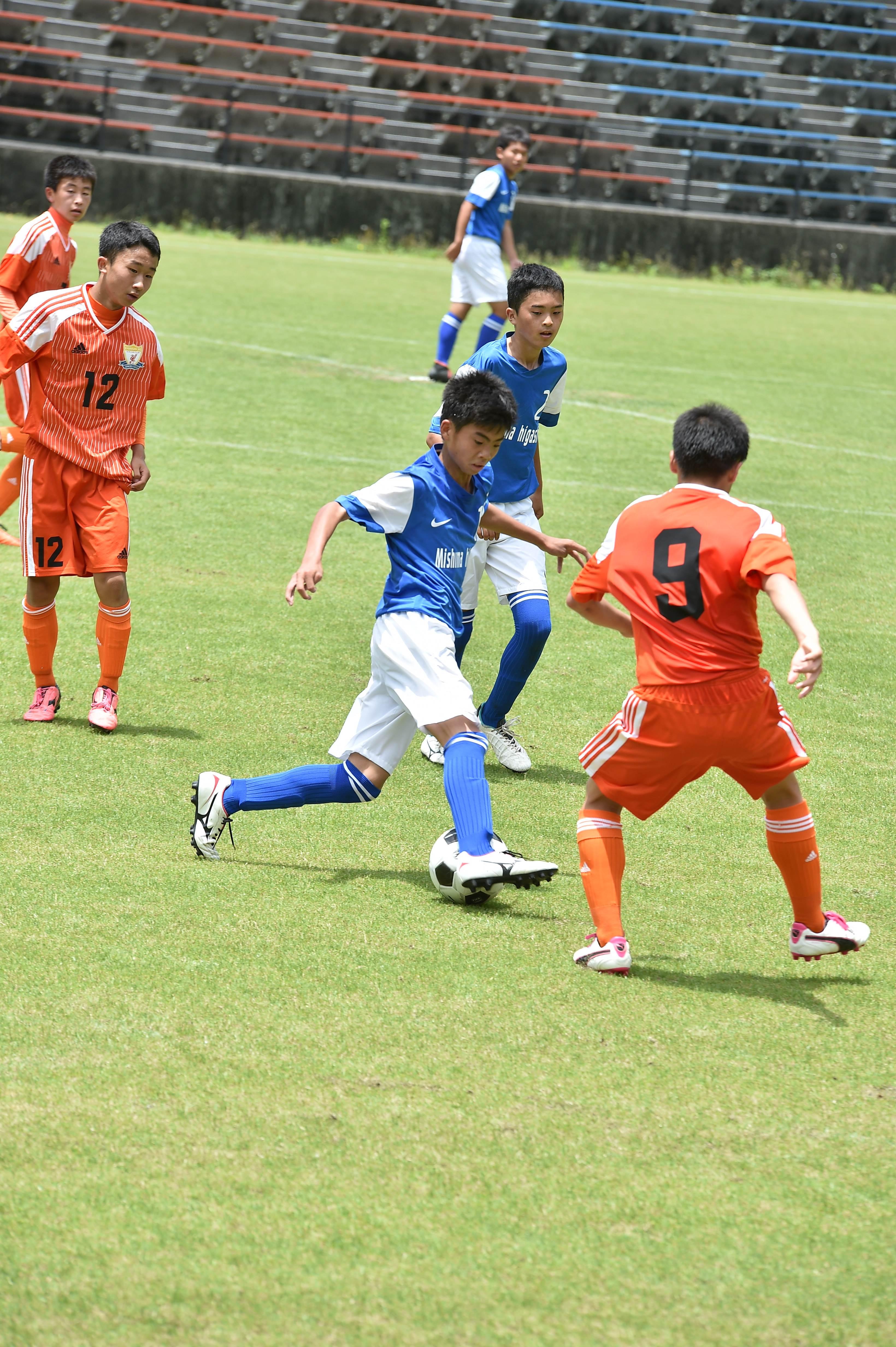 サッカー (323)