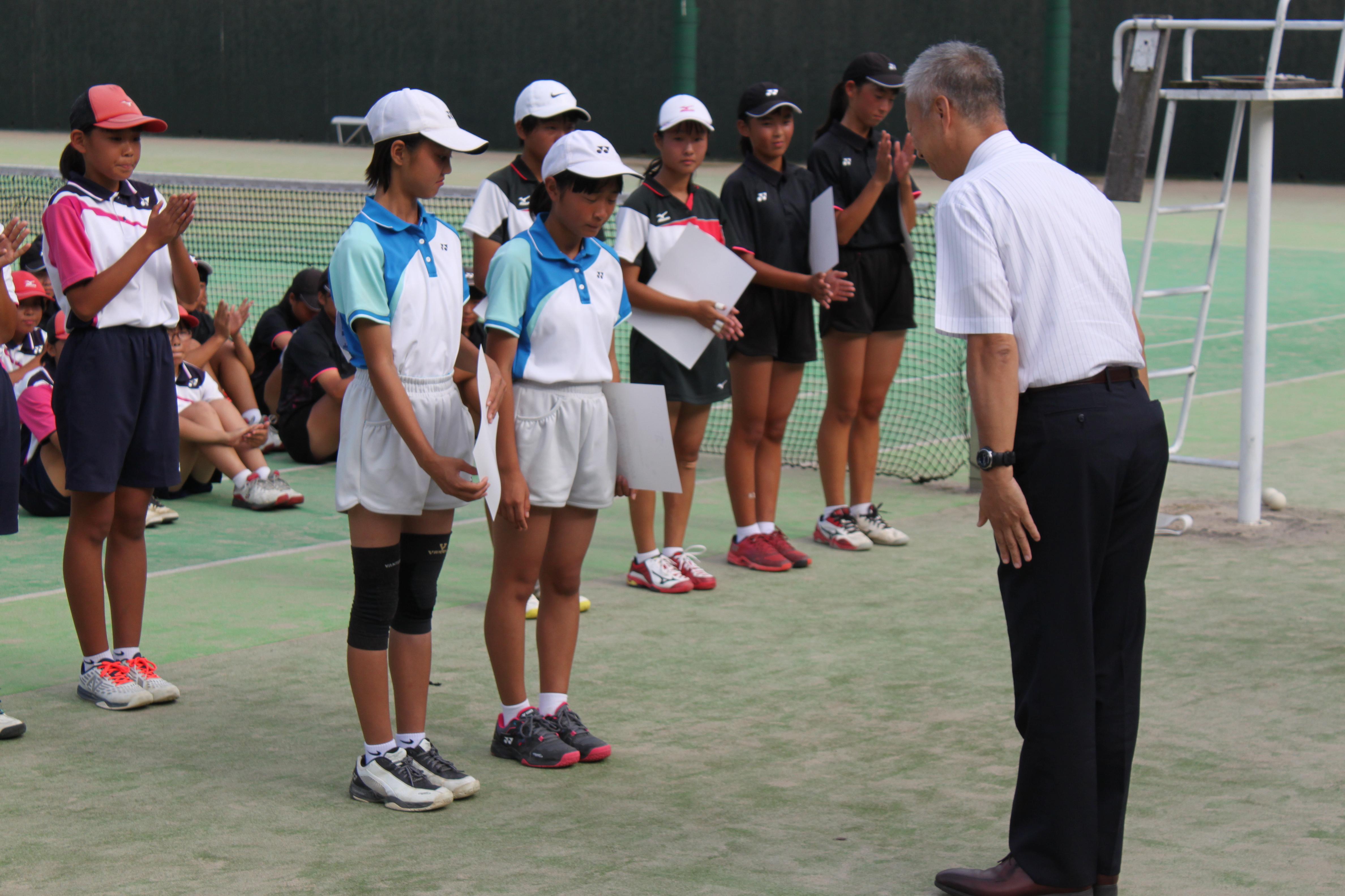 ソフトテニス(211)