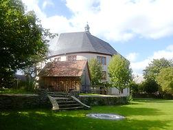 Runschloss mit Kräuterhütte
