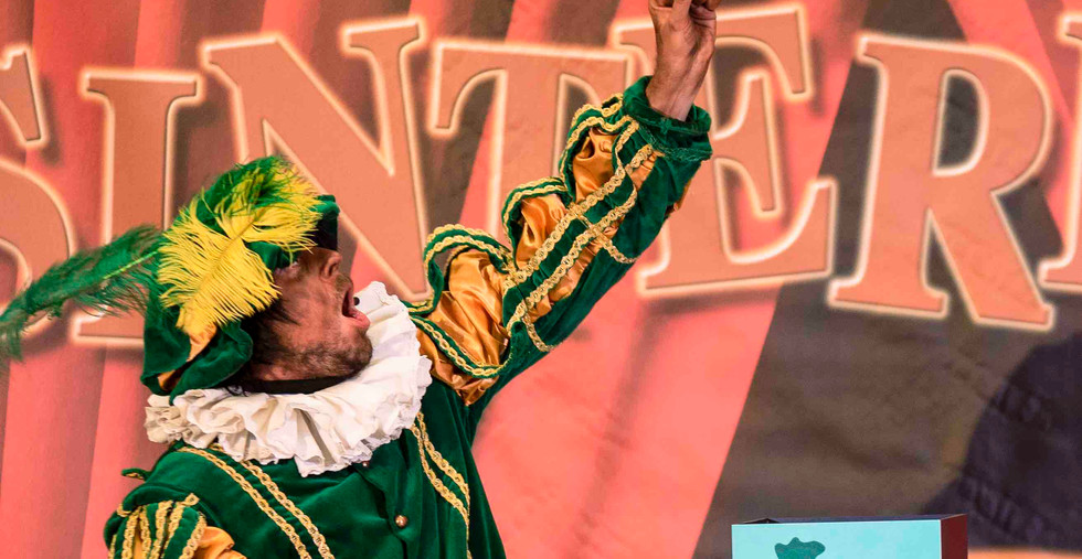 circuspiet sinterklaas show goochelaar c