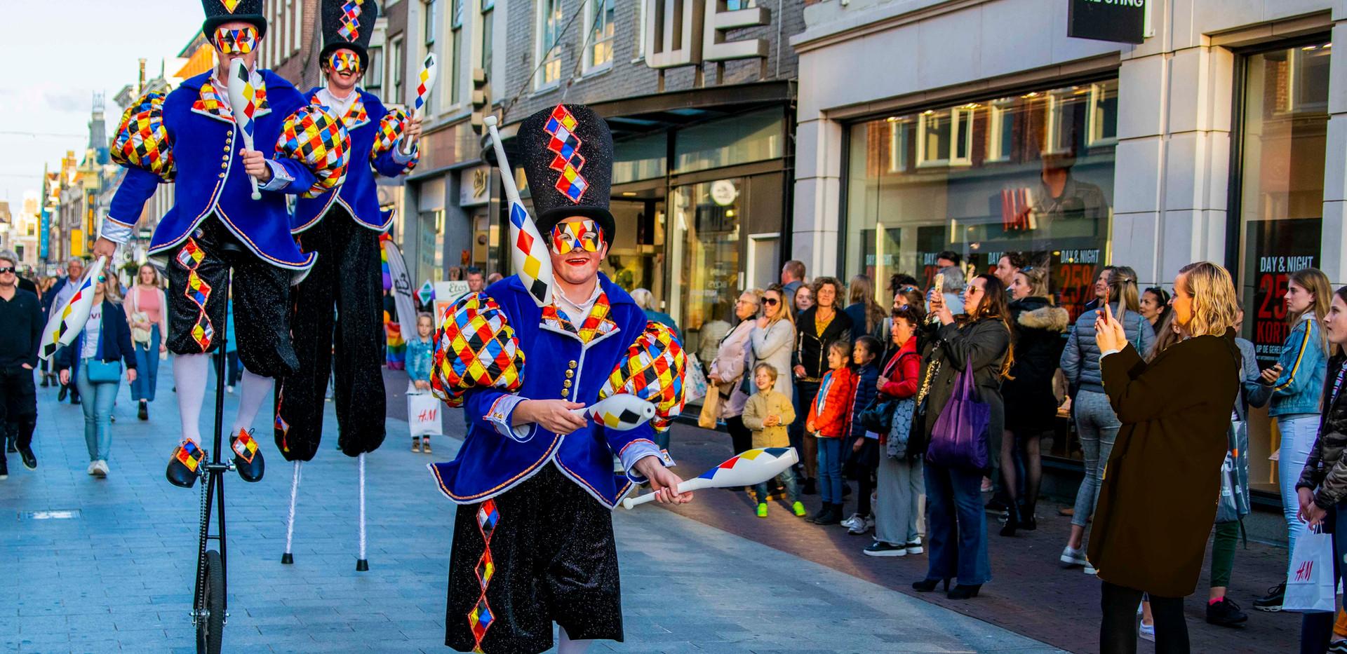 Cirque_Masque_parade_publiek_audience_jo