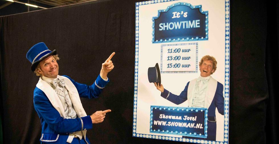Showman Jovel theater show jeugdvakantie