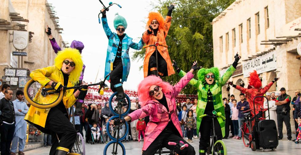 22 UniQcycle fietsen parade entertainment act walkact.jpg