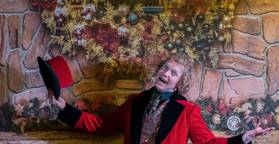 Magic Christmas Show Showman Jovel Jori