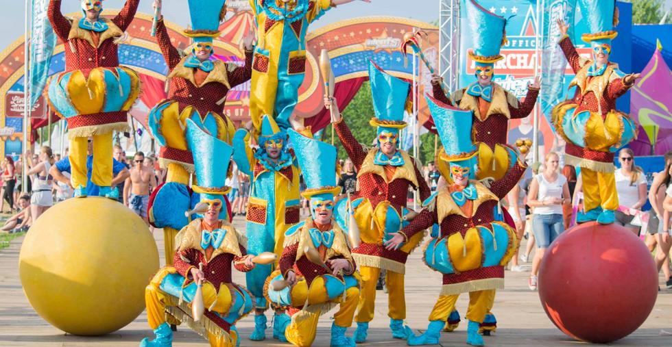 Circo di Strada Streetcircus Circus Cirque Zirkus Parade Performance.jpg