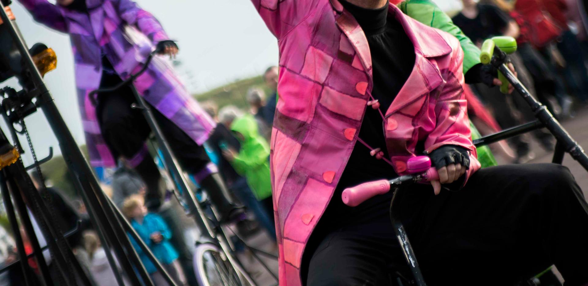 UniQcycle show fietsen act entertainment