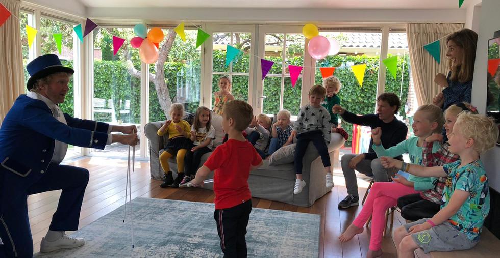 Kinderfeestje goochelaar kinderfeest thu