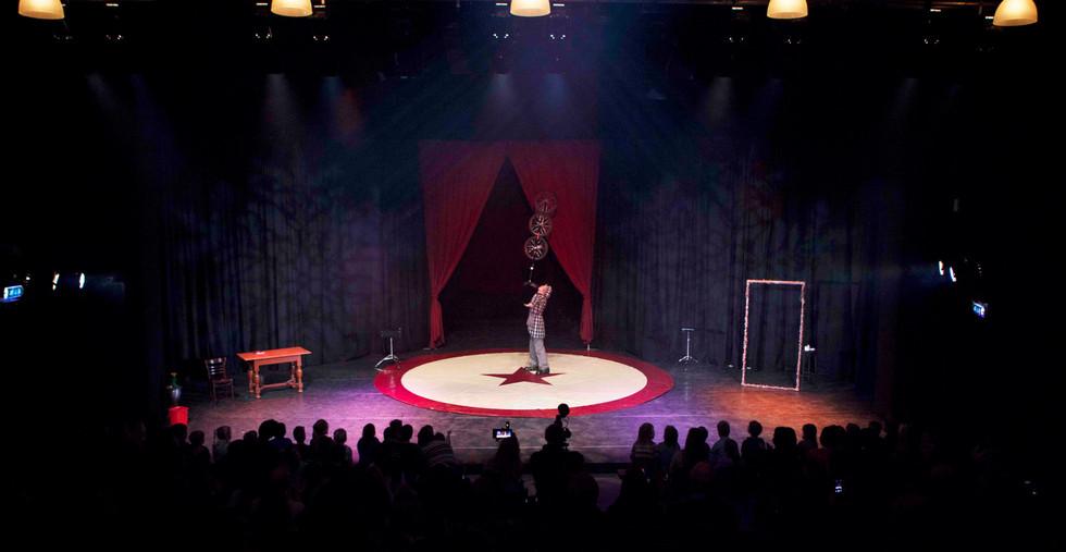 11 Kindershow showman goochelaar schoolfeest goor kindervoorstelling.jpg