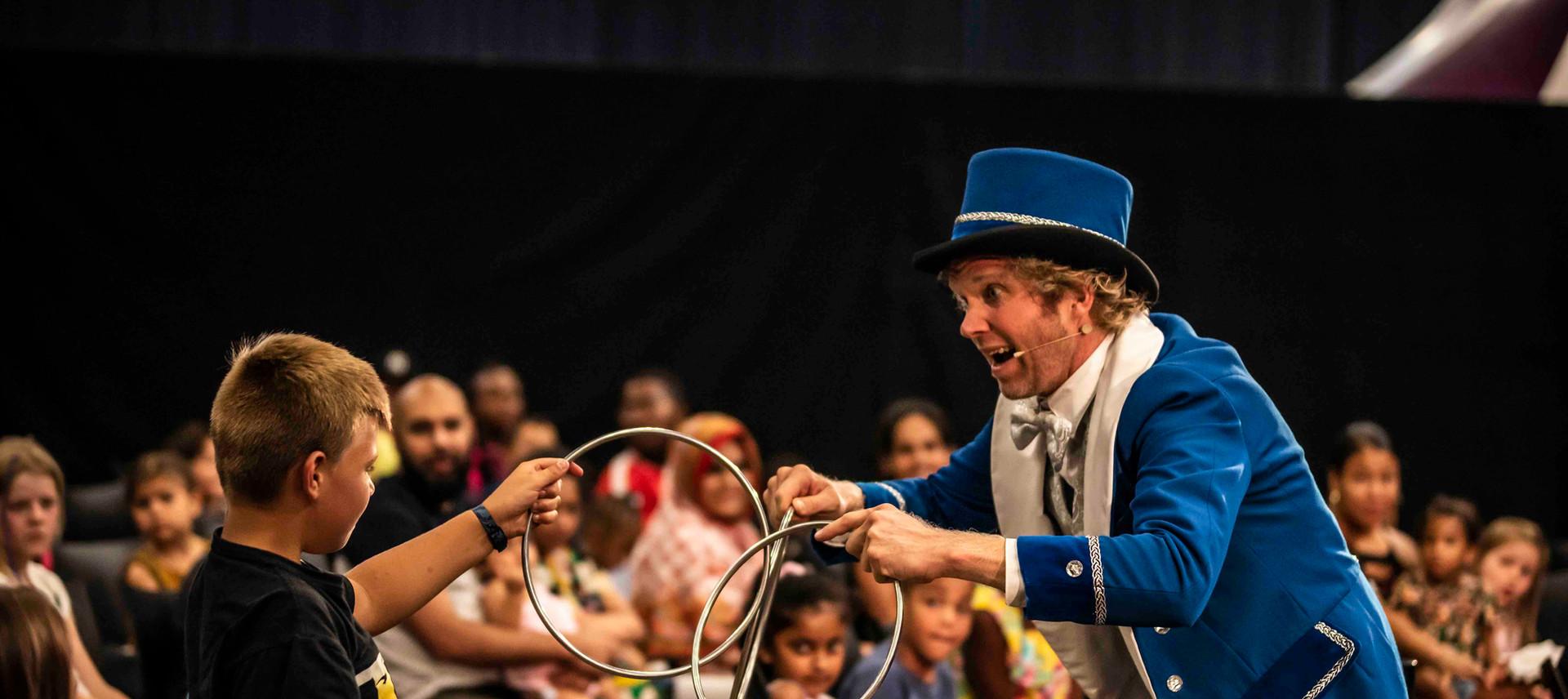 showman jovel goochelaar kinderen arties