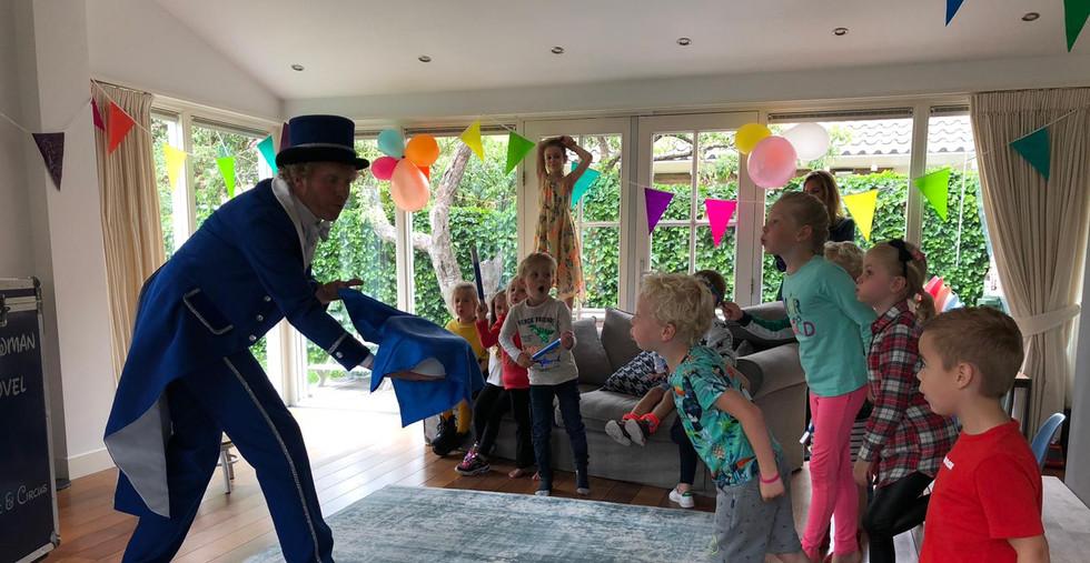 Goochelaar kinderfeestje kinderfeest thu