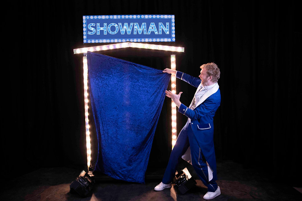 Showman spreker gastheer presentator.jpg