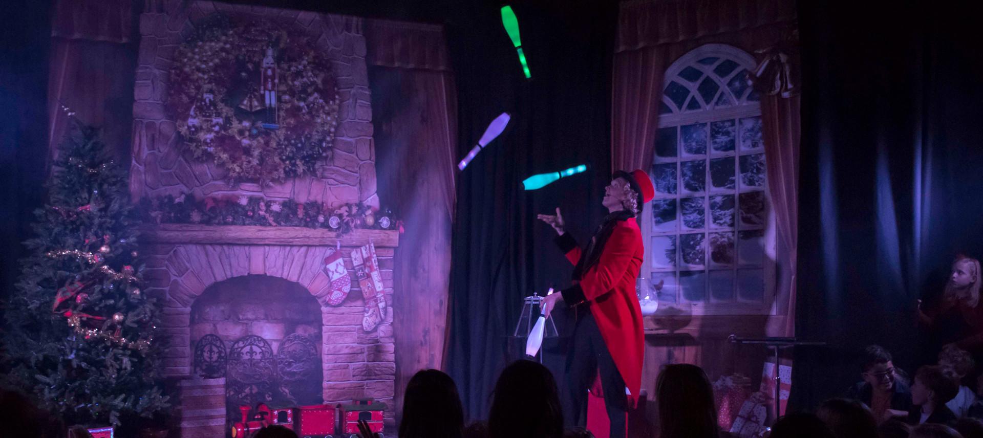 Magic Christmas Show entertainment theat