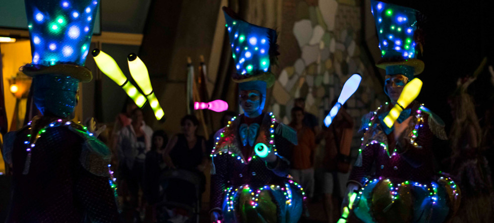 Circo di Strada by Night Lights Juggling