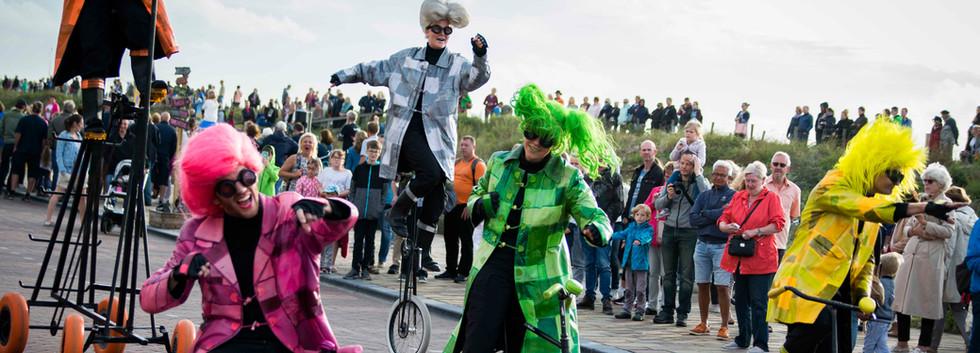 UniQcycle circusparade parade cortege st