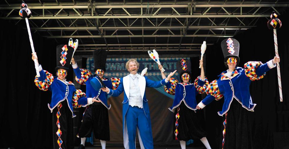 Showman & Friends spektakel show pretpark theater zomershow.jpg