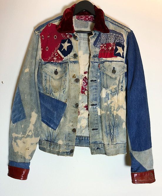 VINTAGE LEVI STRAUSS PATCHED DENIM JACKET FROM 1970's