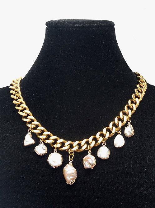 Oro y Perla  Necklace