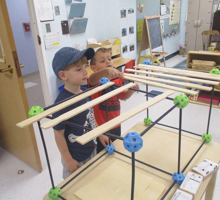 Constructing a small Sukkah