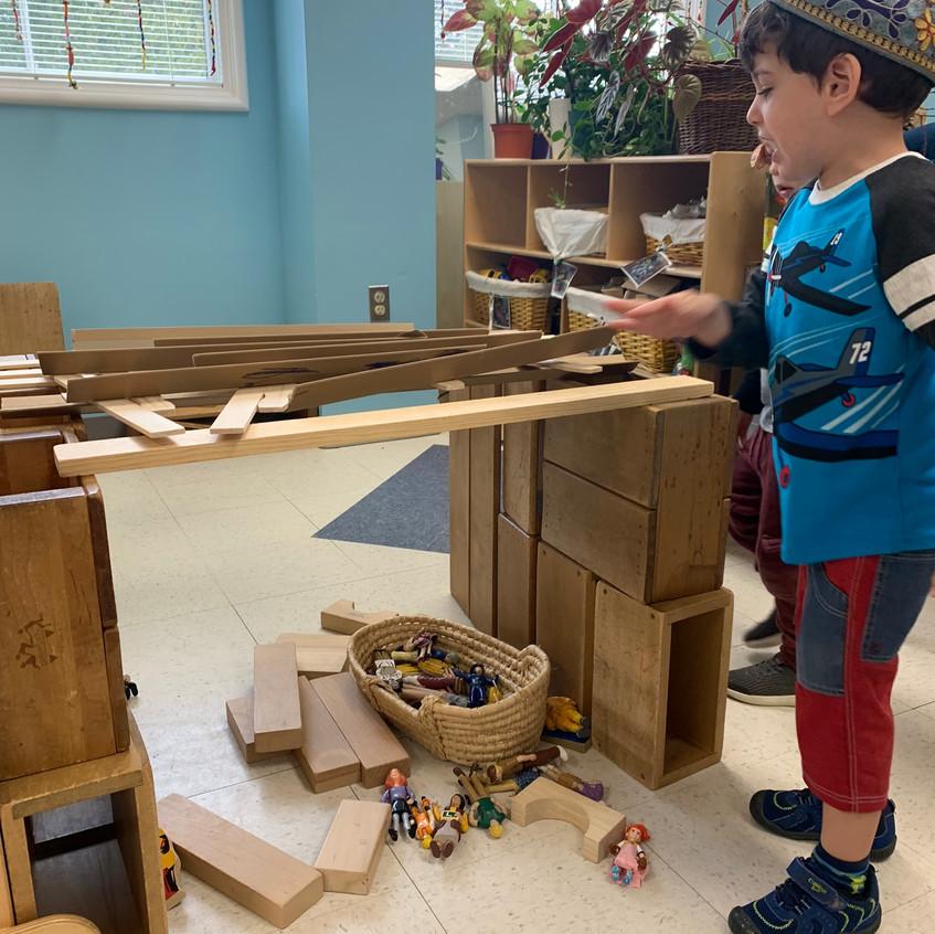 Building a Sukkah replica