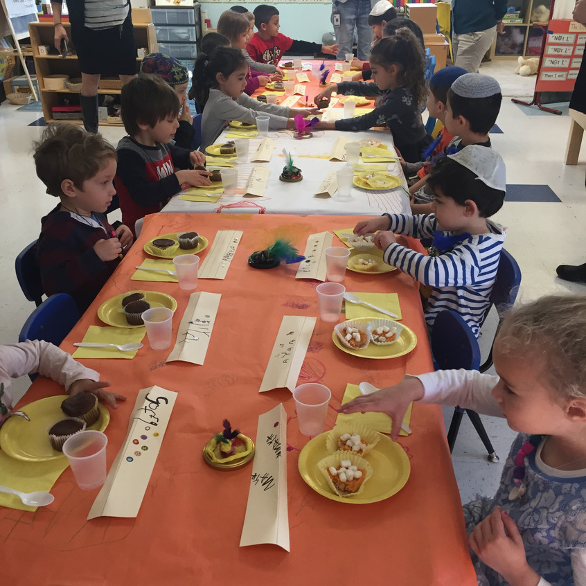 4's sharing Thanksgiving treats
