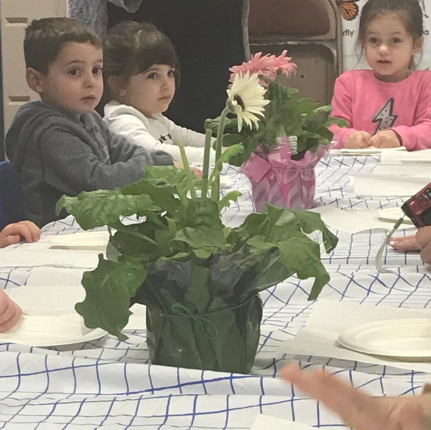 Seder time!